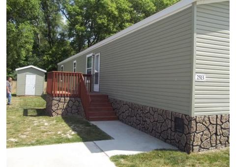 Like New 2017 Fairmont Mobile Home in the Four Seasons Mobile home park for sale!